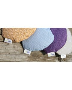 Eye pillow with organic lavender and buckwheat spells